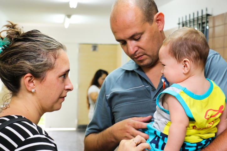 Vacunas a los niños contra el Sarampión (2)