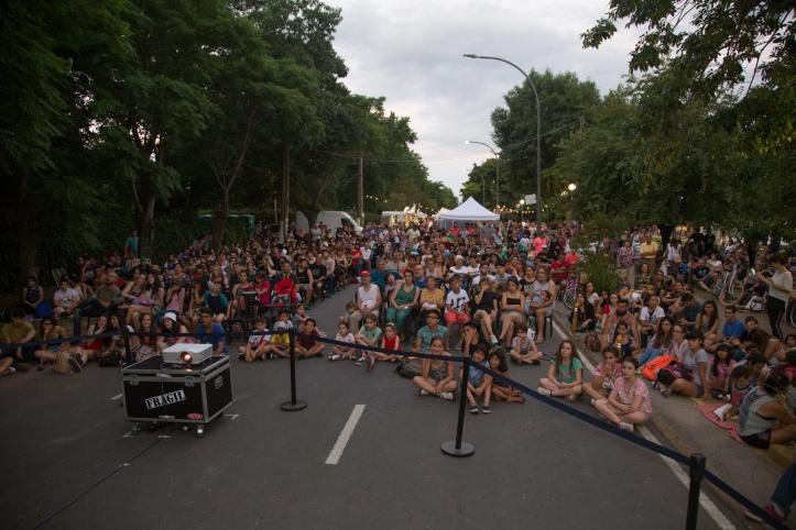 """GRAN ÉXITO DEL FESTIVAL NACIONAL DE CORTOMETRAJES """"CINE BAJO LA LUNA"""" (2)"""