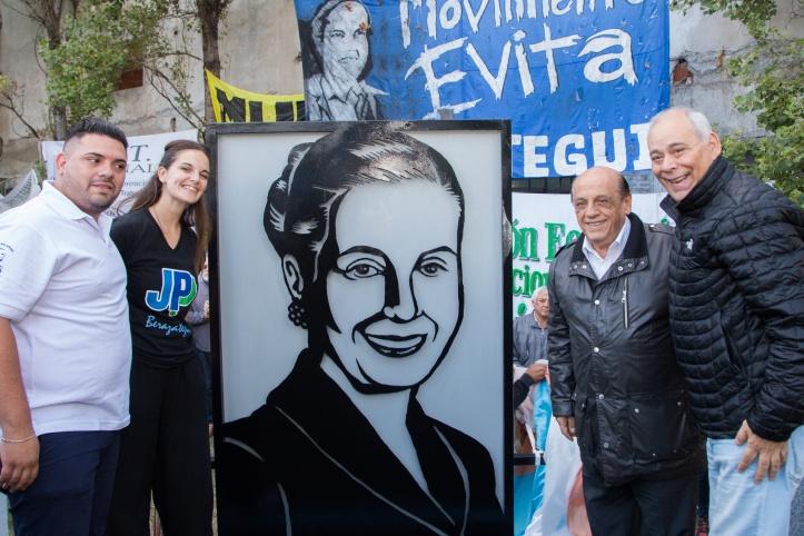 BERAZATEGUI CONMEMORÓ EL 100° ANIVERSARIO DEL NACIMIENTO DE EVITA (1)